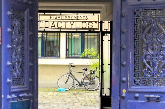 Doorway and Bike in Paris, France © Amy Weiser, Photographer