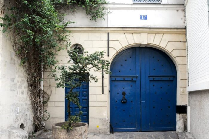 Doorway in Paris, France © Amy Weiser, Photographer