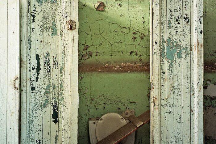 Abandoned Building Bathroom © Amy Weiser, Photographer