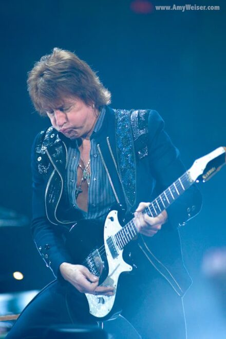 Richie Sambora of Bon Jovi in Concert at Rocket Mortgage Fieldhouse (Quicken Loans Arena), Concert Photography 2013 © Amy Weiser, Photographer
