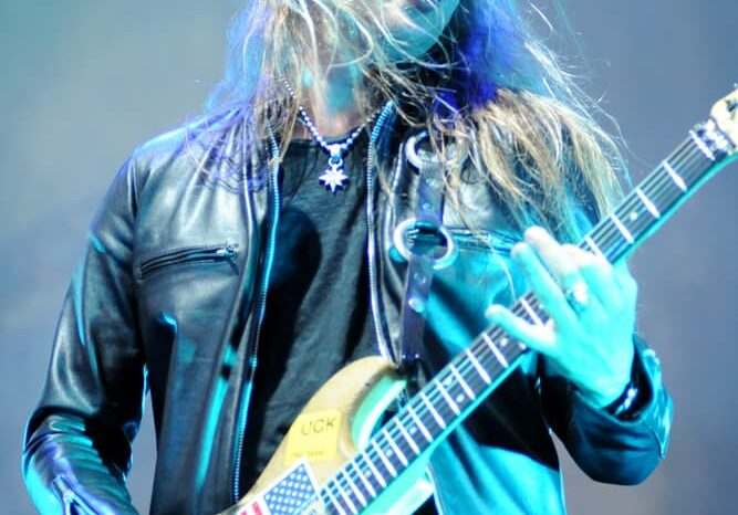 Jerry Cantrell of Alice in Chains © Amy Weiser, Photographer