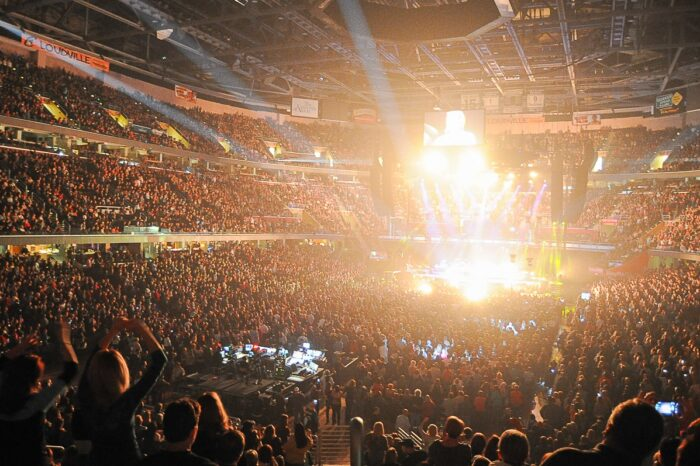 Sold Out Concert, Arena at Rocket Mortgage Fieldhouse (Quicken Loans Arena), Concert, Event Photography © Amy Weiser, Photographer