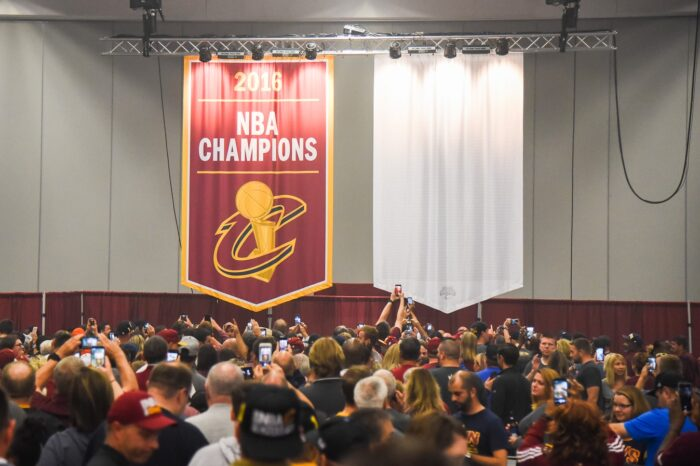Championship Banner Unveiling at the Cleveland Cavaliers Wine & Gold United Private Event Photography © Amy Weiser, Photographer