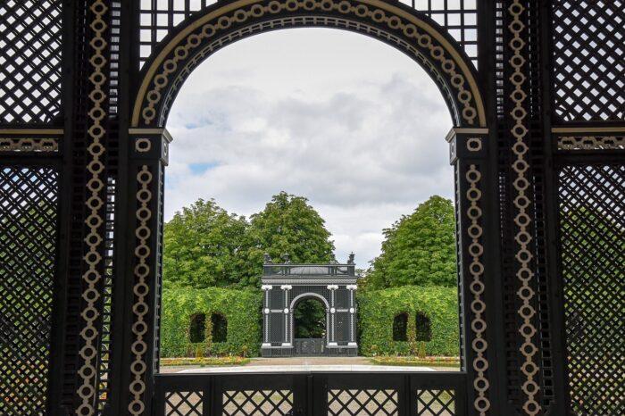 Schonbrunn Palace Garden, Vienna, Austria © Amy Weiser, Photographer