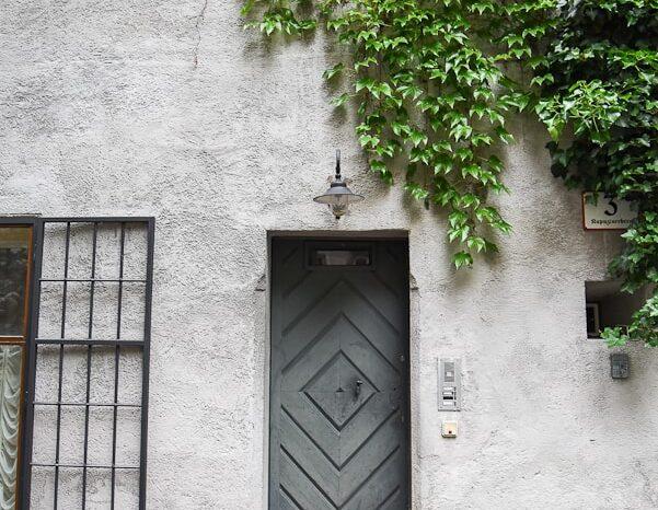 Doorway in Salzburg, Austria © Amy Weiser, Photographer